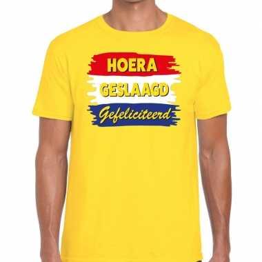 Hoera geslaagd gefeliciteerd geel fun-t shirt voor heren