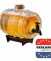 Cadeau geslaagd bier dispensers ton op standaard 24 cm met 15 geslaagd bierviltjes vierkant
